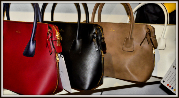 Angela & Roi Donate by color handbags
